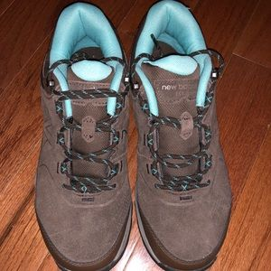 NWOT Hiking sneakers!
